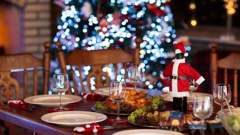 Εορταστικό Οικογενειακό Τραπέζι. Ευεργετική Ατμόσφαιρα Ή Εκρηκτικός Μηχανισμός;