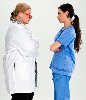 Nοσηλεύτριες και η «άνοδος στον θρόνο του Bullying» σε 4 επεισόδια.